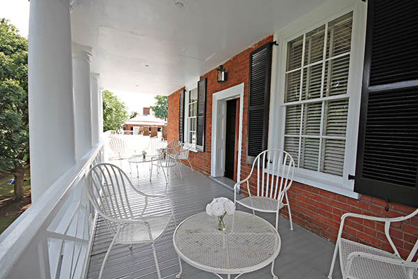 porch-pavvii.jpg
