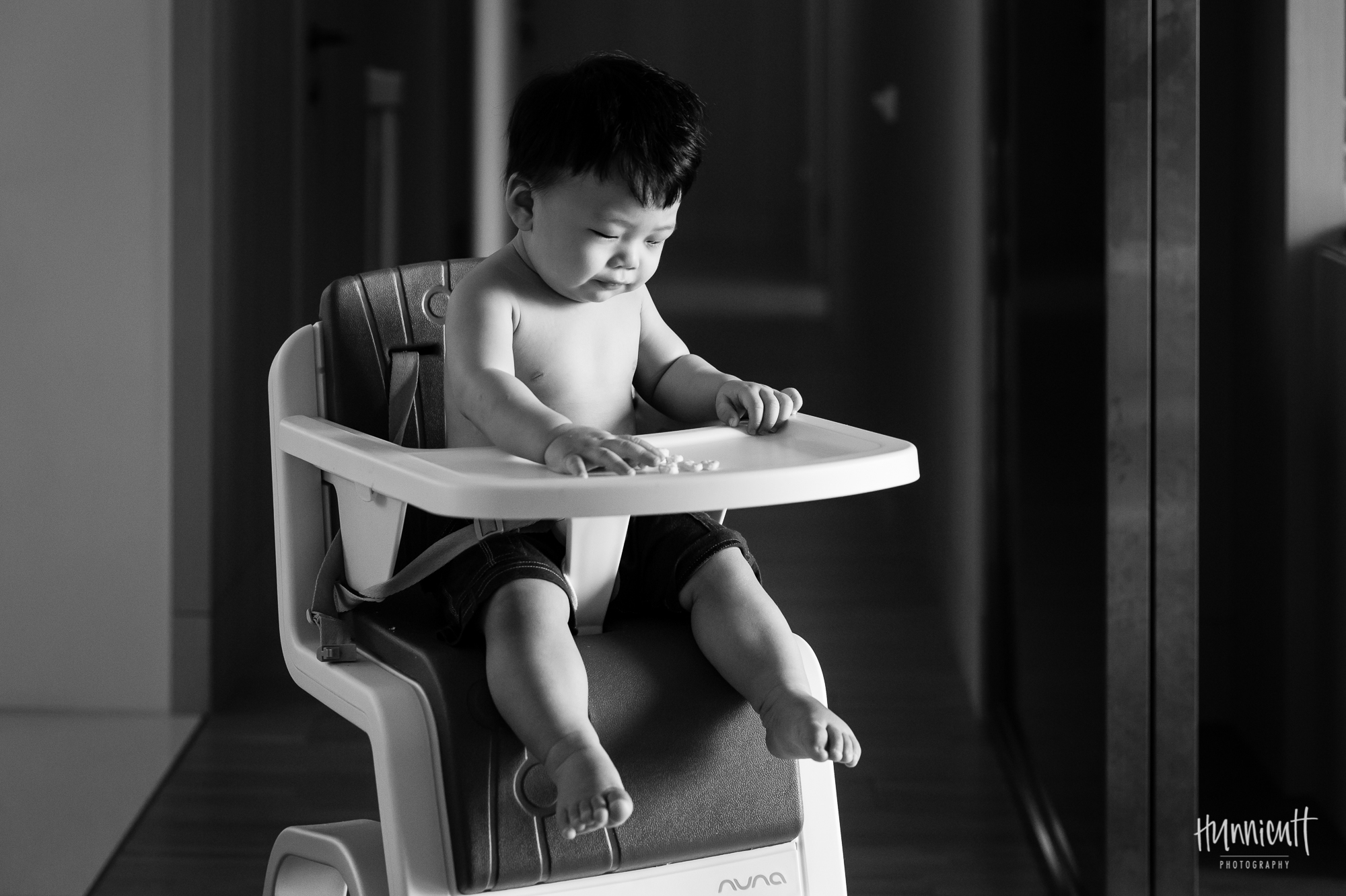 Indoor-Natural-Light-Family-HunnicuttPhotography-RebeccaHunnicuttFarren-Taichung-Taiwan-17