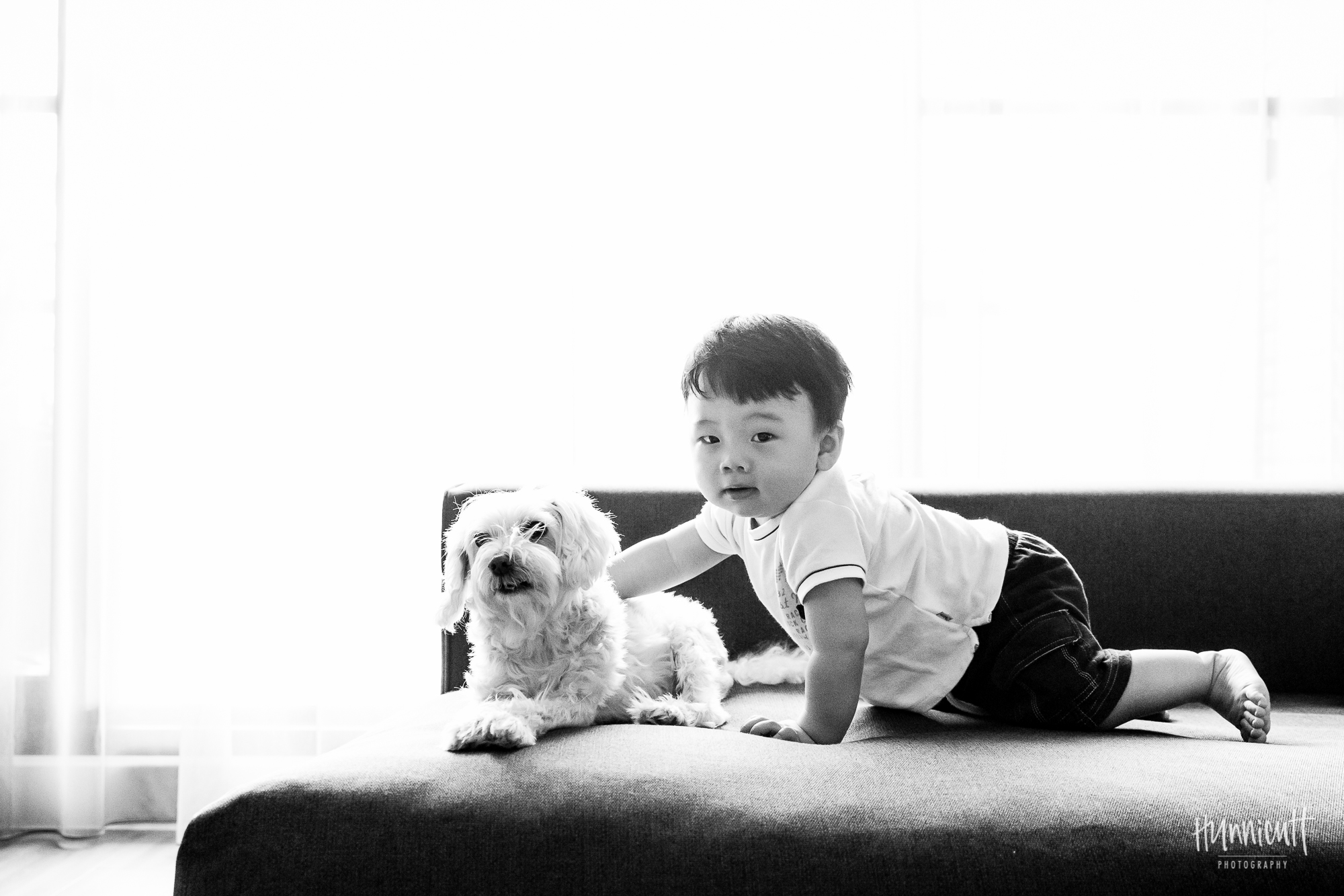 Indoor-Natural-Light-Family-HunnicuttPhotography-RebeccaHunnicuttFarren-Taichung-Taiwan-8