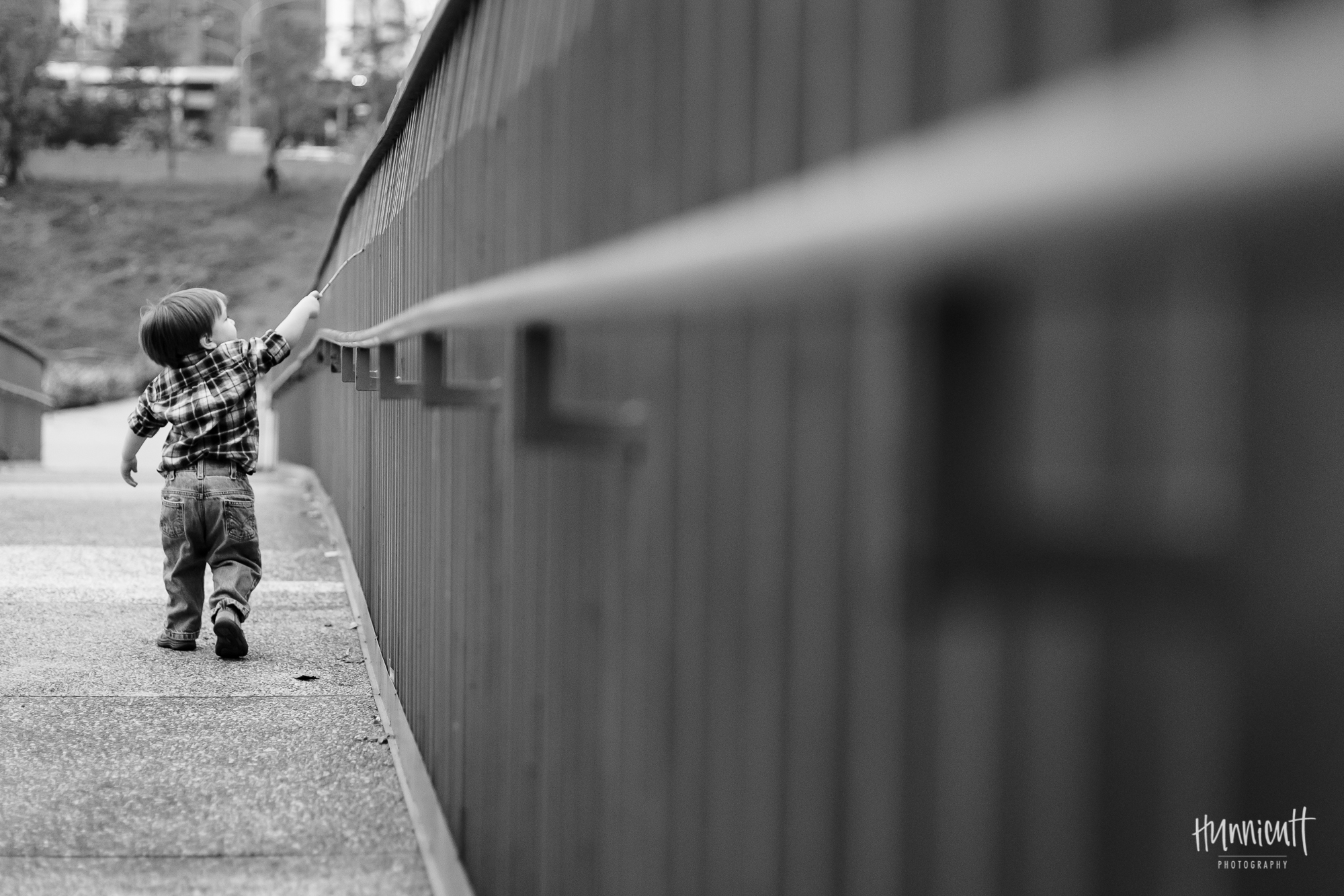 Outdoor-Modern-Urban-Family-Hunnicutt-Photography-Rebecca-Hunnicutt-Farren-Taichung-Taiwan-Exploring-Neighborhood-21