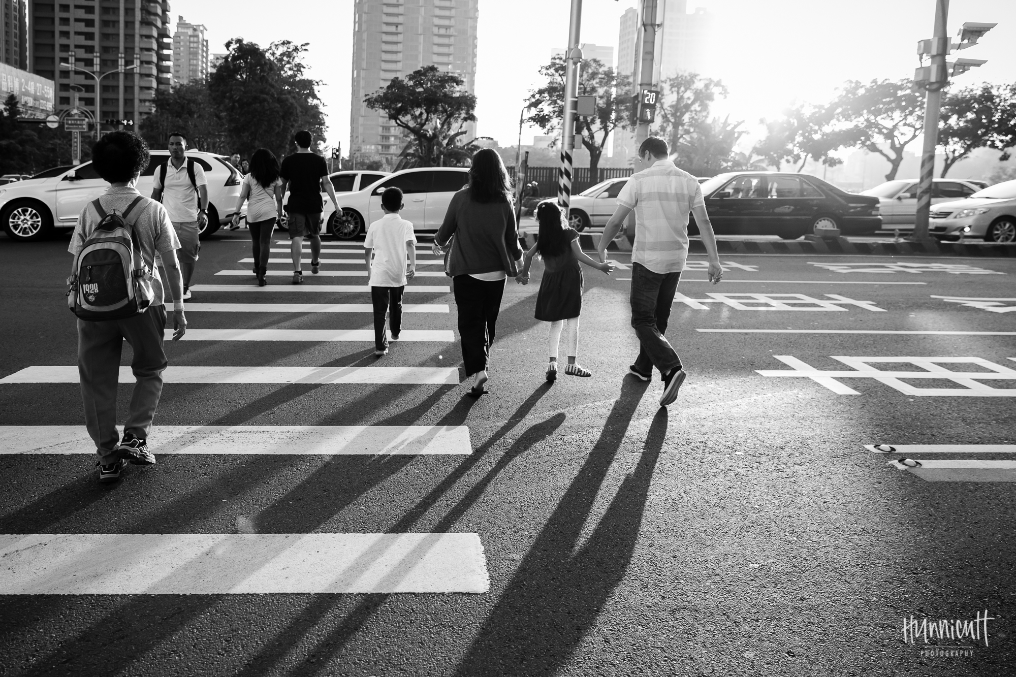Outdoor-Explore-Neighborhood-Modern-Urban-GoldenHour-Lifestyle-Family-Photography-Taichung-Taiwan-Rebecca-Hunnicutt-Farren-Hunnicutt-Photography-22