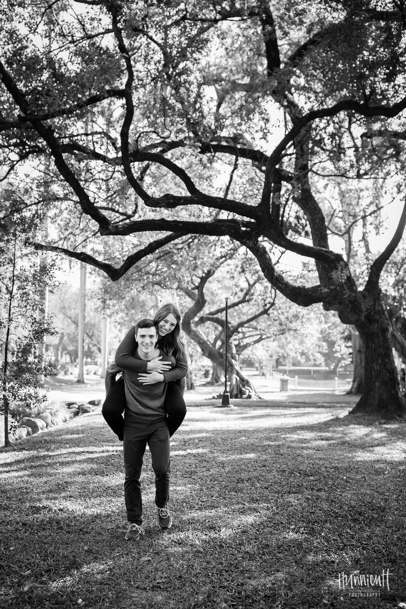 Outdoor-Cultural-Lifestyle-Couples-Photography-Taichung-Taiwan-Rebecca-Hunnicutt-Farren-Hunnicutt-Photography-Taichung-Park-19