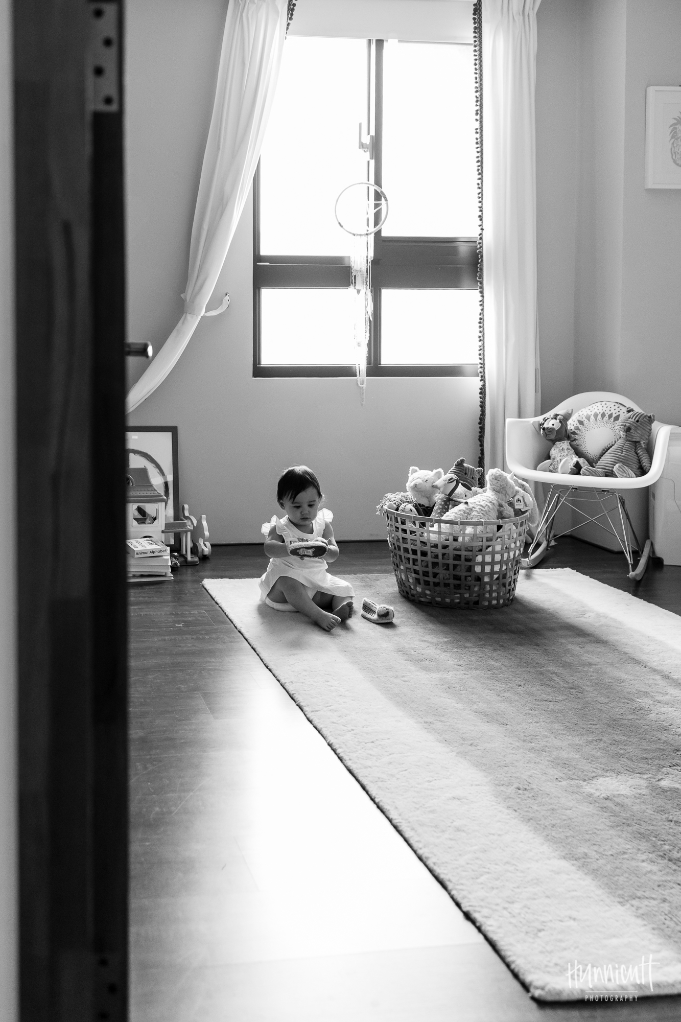 Family-Indoor-Lifestyle-Urban-Modern-HunnicuttPhotography-RebeccaHunnicuttFarren-NaturalLight-13