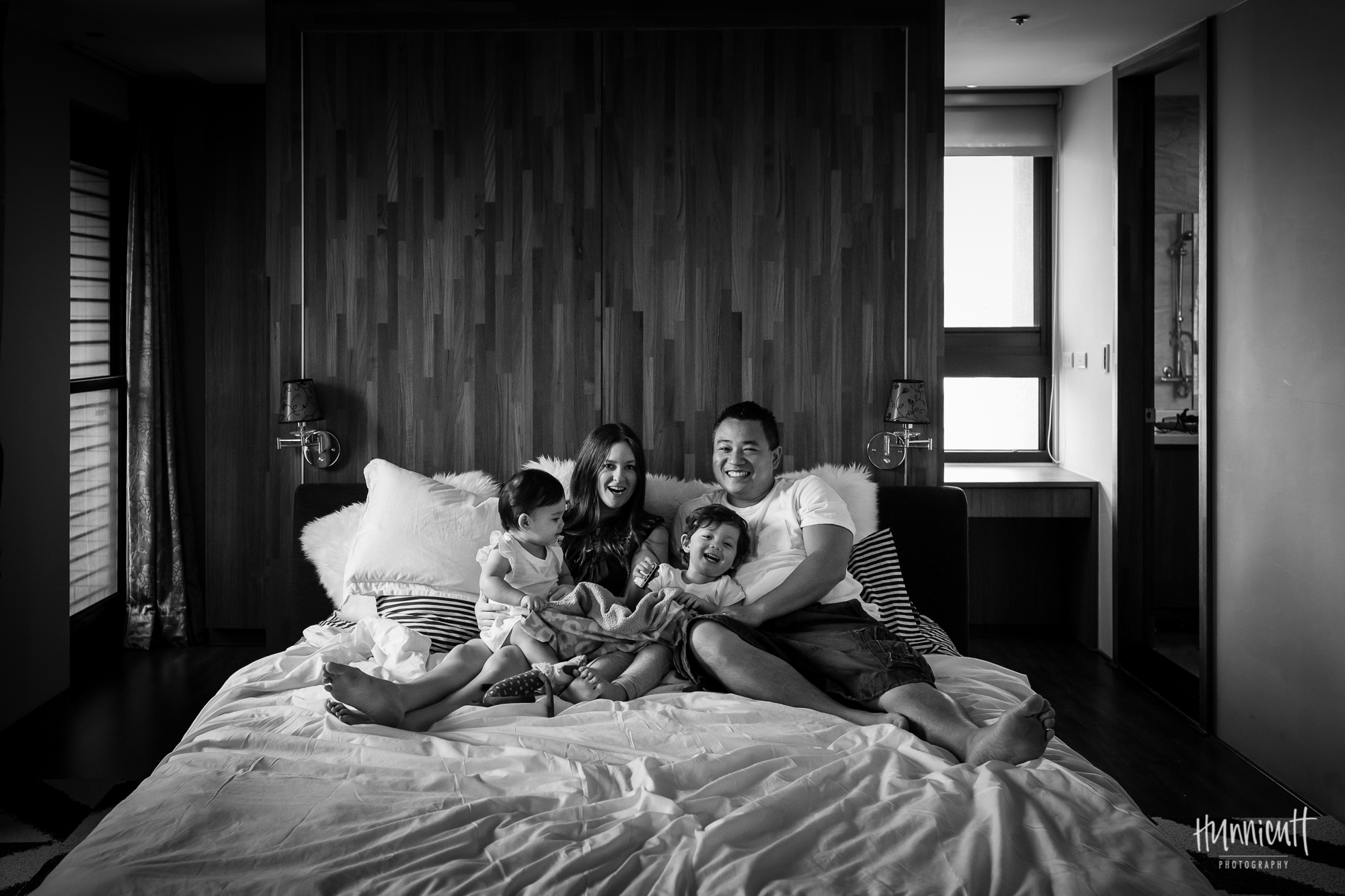 Family-Indoor-Lifestyle-Urban-Modern-HunnicuttPhotography-RebeccaHunnicuttFarren-NaturalLight-26