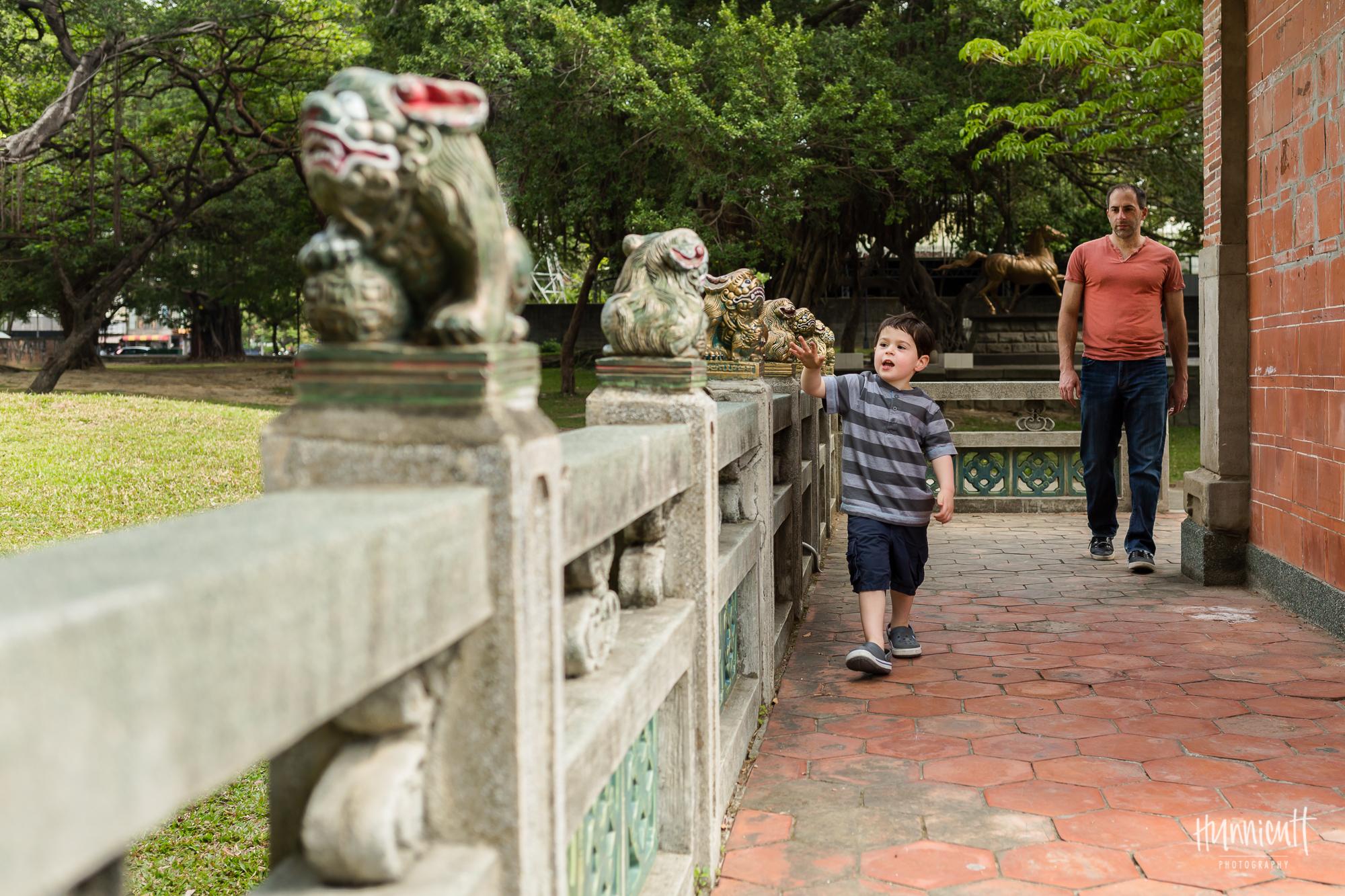 Family-Outdoor-Lifestyle-Modern-Urban-Travel-Culture-HunnicuttPhotography-RebeccaHunnicuttFarren-Taichung-Taiwan-2