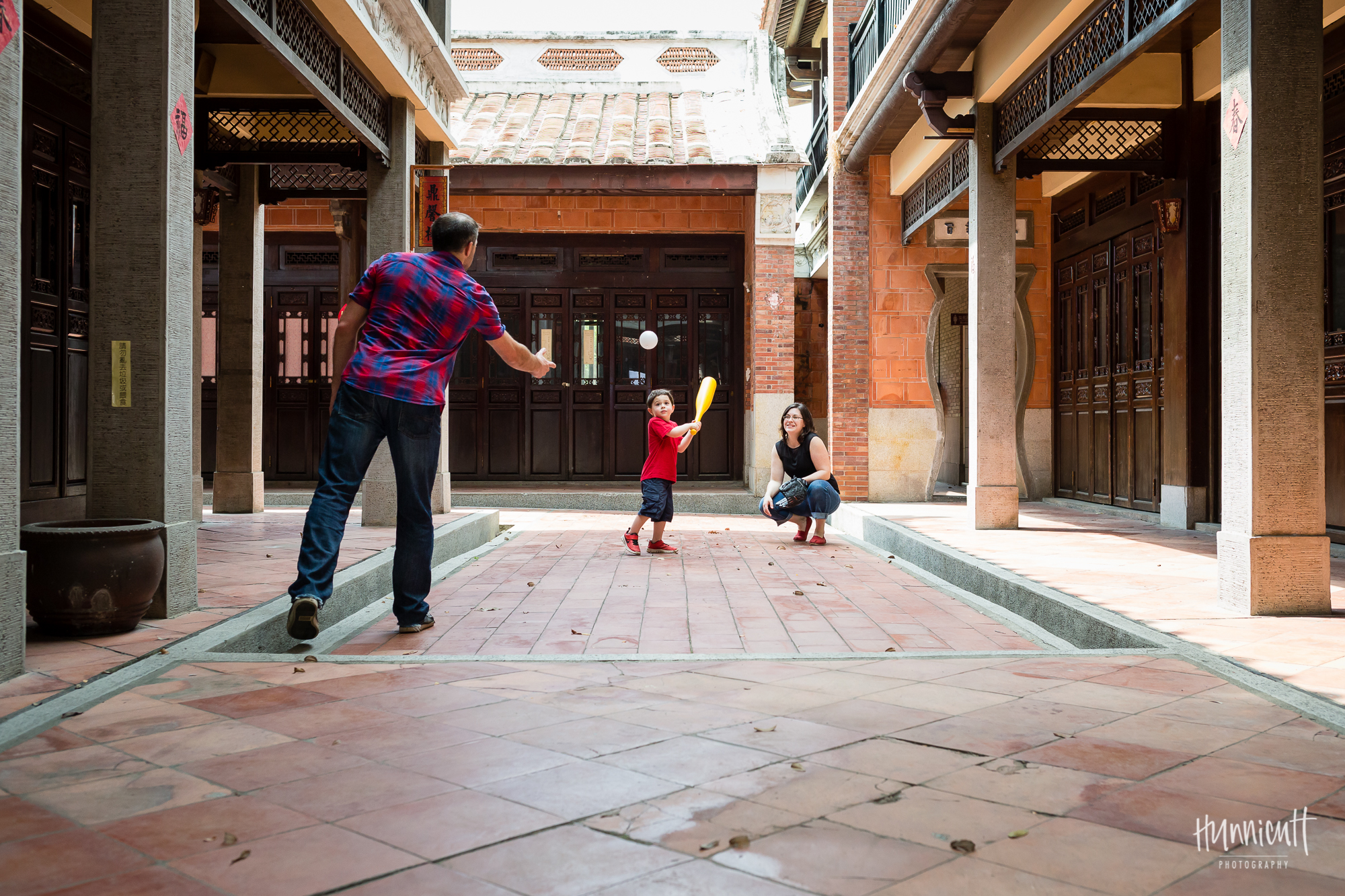 Family-Outdoor-Lifestyle-Modern-Urban-Travel-Culture-HunnicuttPhotography-RebeccaHunnicuttFarren-Taichung-Taiwan-9