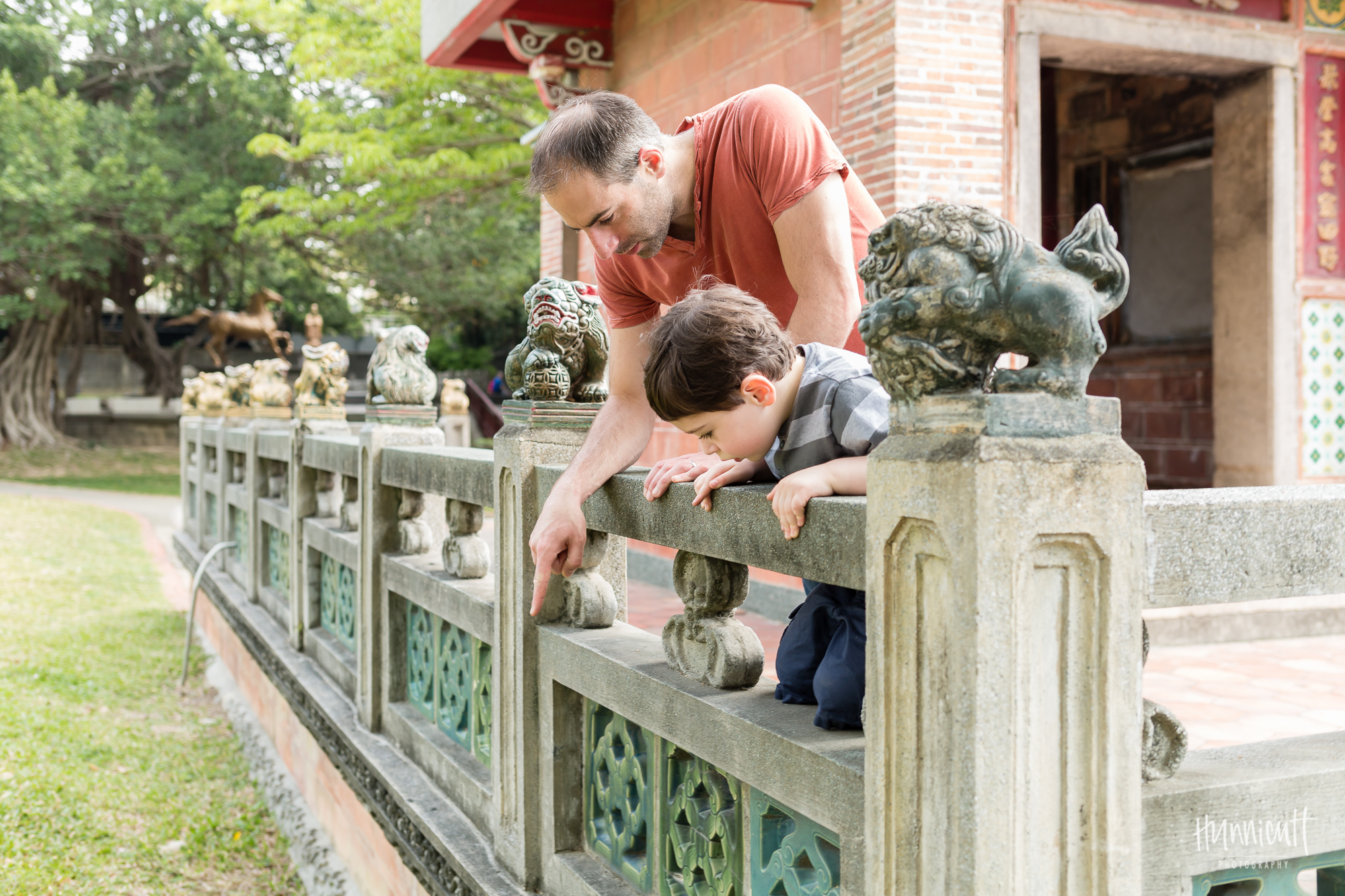 Family-Outdoor-Lifestyle-Modern-Urban-Travel-Culture-HunnicuttPhotography-RebeccaHunnicuttFarren-Taichung-Taiwan