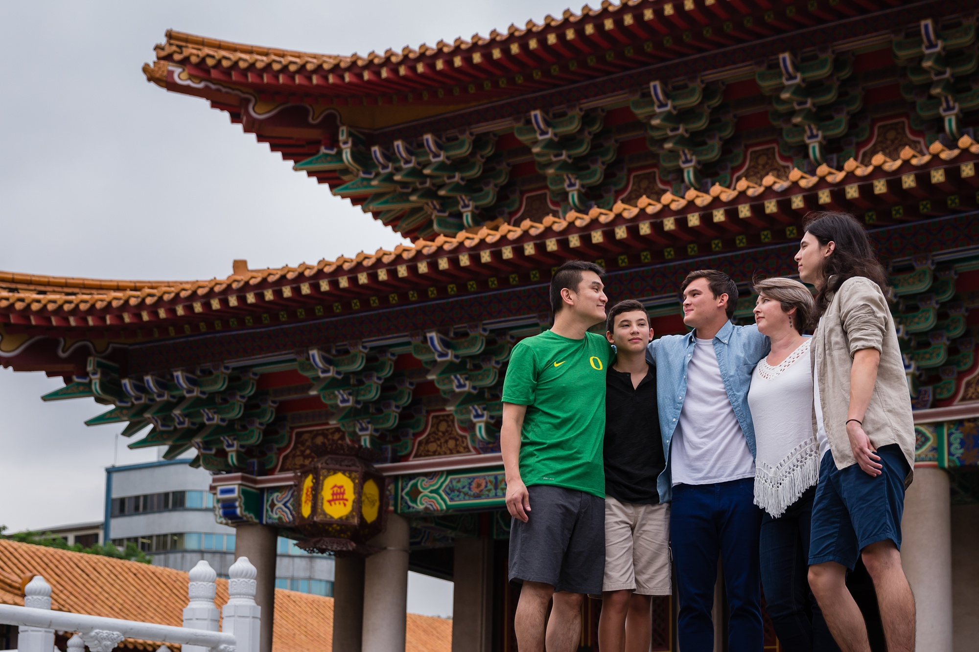 Taichung-Family-Temple-Session-Hunnicutt-13
