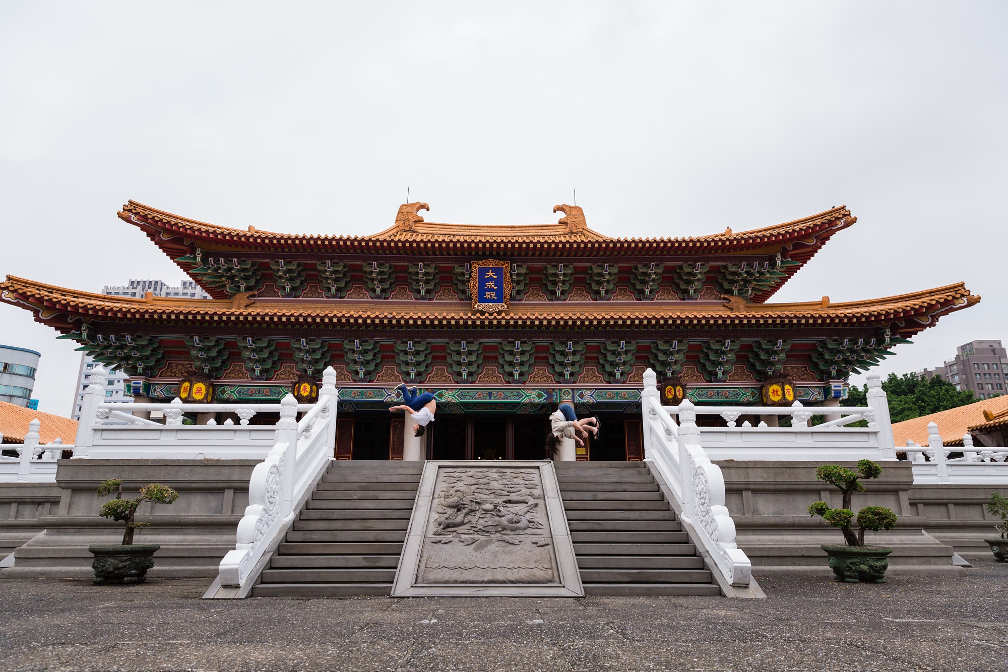 Taichung-Family-Temple-Session-Hunnicutt-12