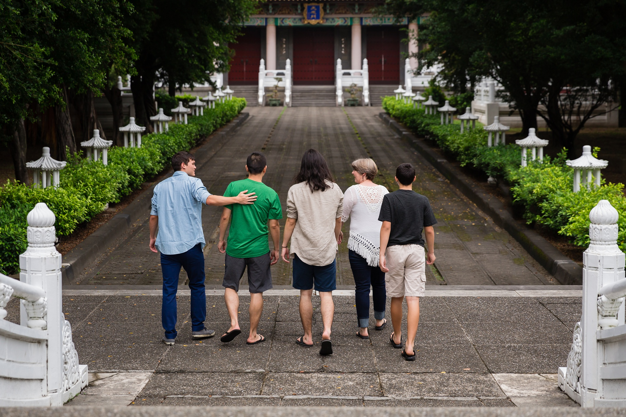 Taichung-Family-Temple-Session-Hunnicutt-2