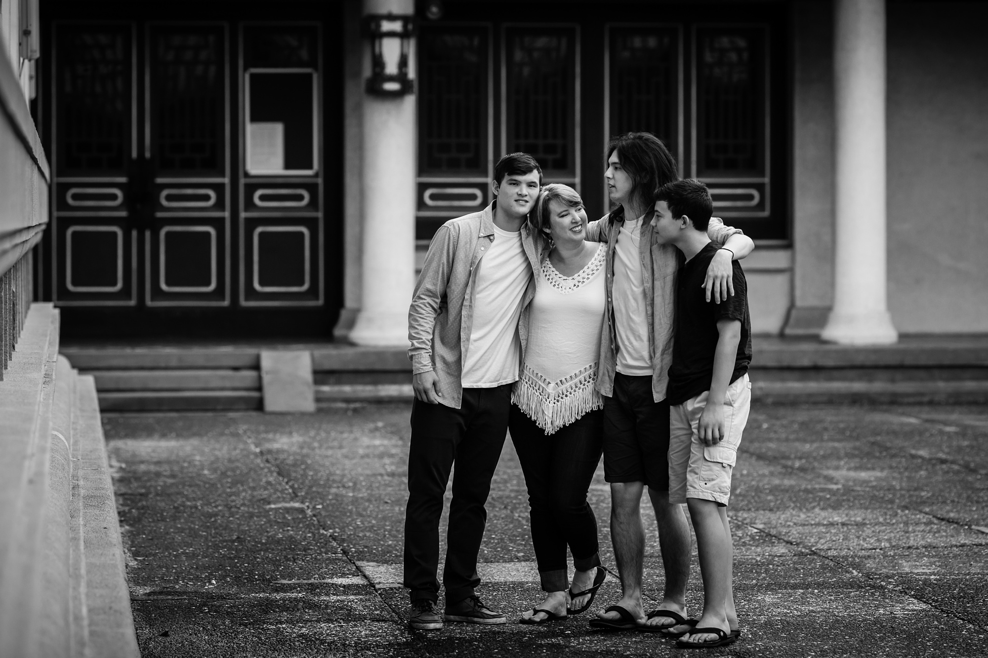 Taichung-Family-Temple-Session-Hunnicutt-33