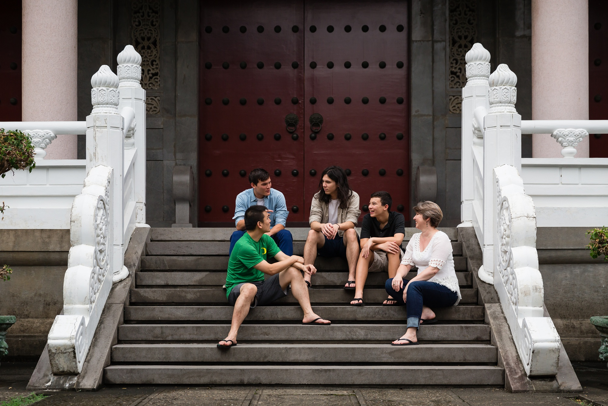 Taichung-Family-Temple-Session-Hunnicutt-5