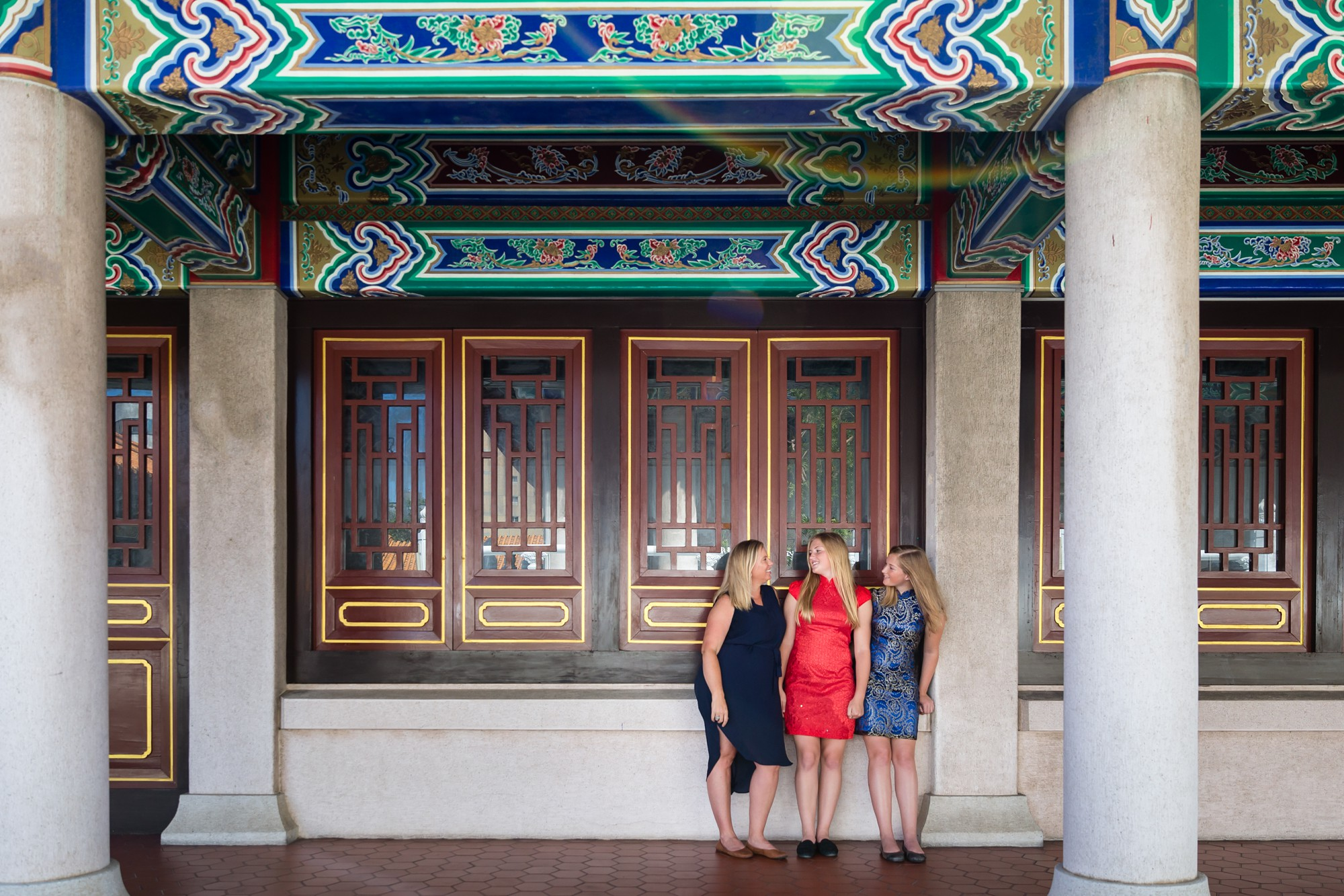 Taichung_Temple_Expat_Family_Sisters_Photo_Session_by_Hunnicutt_Photography_0010