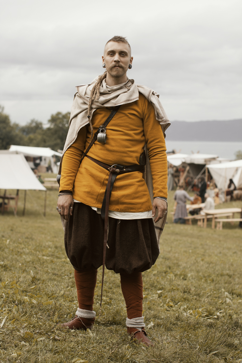 Colors in the Viking Age: Entertainment VS Education