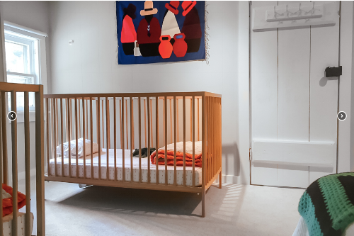 Baby friendly vacation rental in Hudson Valley, New York with (multiple!) cribs. Image credit: Kid & Coe