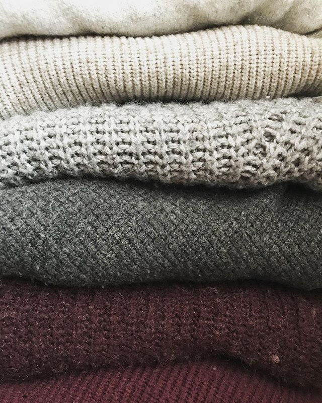 This month has been very very difficult for me. So it's time to bring back #tinymomentofgrace  Today's #tinymomentofgrace is this stack of sweaters being all cozy looking on a very cold and snowy morning.