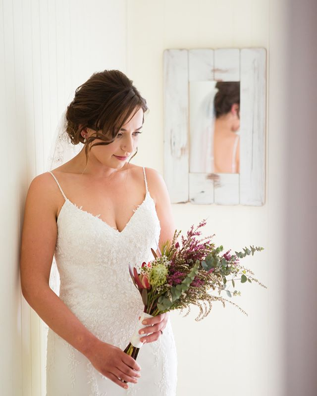 On your wedding day you should look like yourself at your most beautiful.  #beautifulbride #australiannatives #bridalbouquet #nativebridalbouquet #destinationweddingphotography #ukweddingohotographer #suffolkweddingphotographer