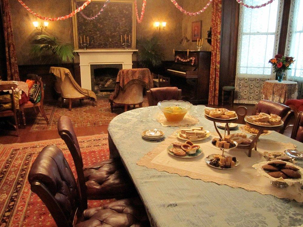 Beauchamp Lodge London - Dressed set