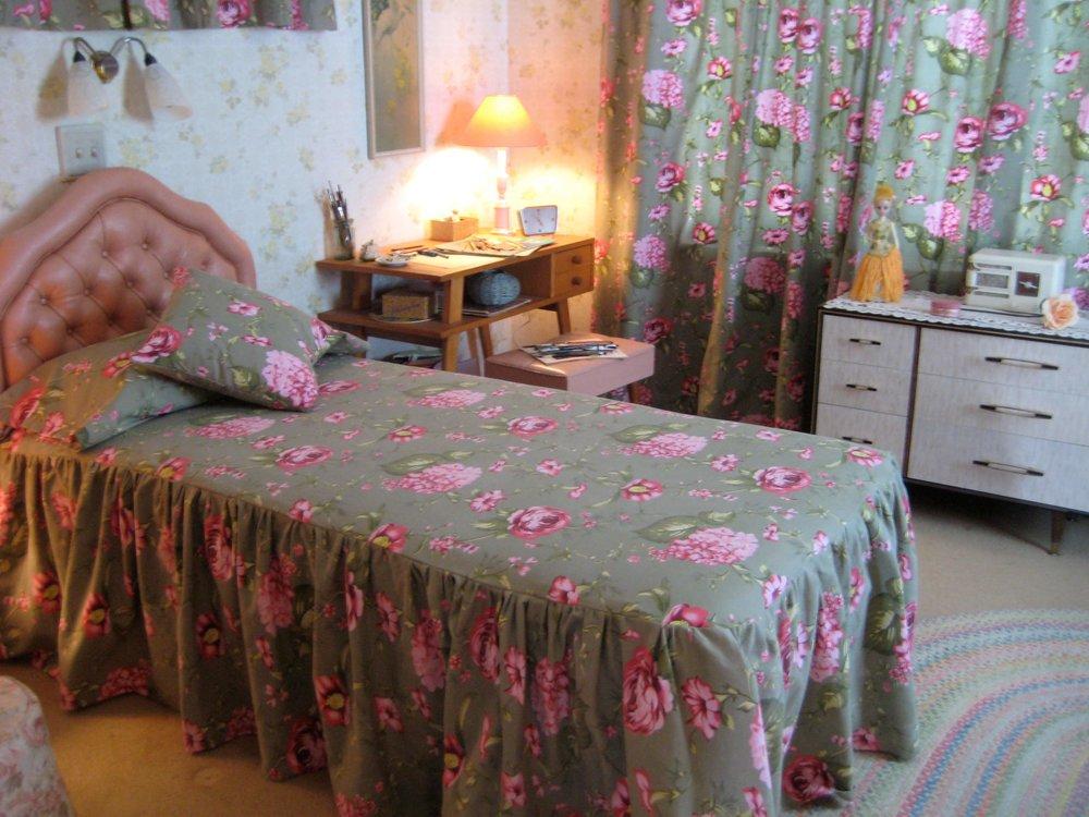 Flora's Bedroom 1968 - Dressed set