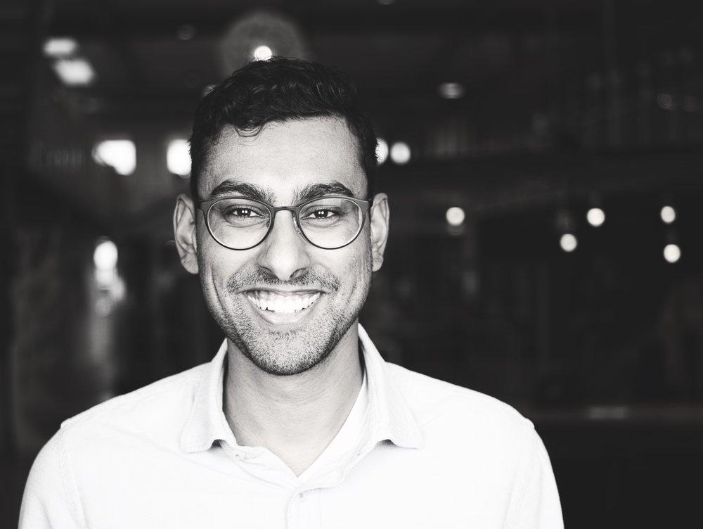 "ARVIND JAGESSER - 首席技术官 – Alvin作为Milvum的创办人之一,2017年以首席技术官的身份加入了Circularise。他是人工智能和区块链技术的倡导者,与他的团队协同合作,在Milvum利用这些技术。2017年他们在""荷兰区块链黑客马拉松""比赛中获奖。LinkedIn"