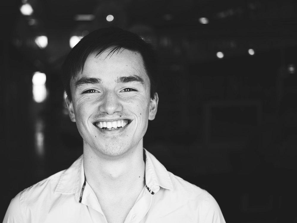 Kaj Oudshoorn - 开发者 - Kaj来自代尔夫特大学,是一位注重成果的研究人员。他总是电脑不离手,喜欢探索发现前沿理论与技术的实际应用。