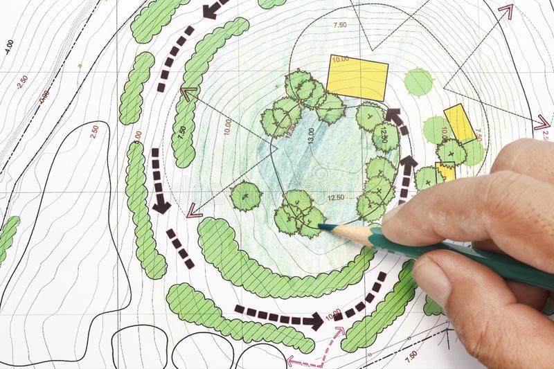 architetto-paesaggista-designing-sui-piani-42206269.jpg