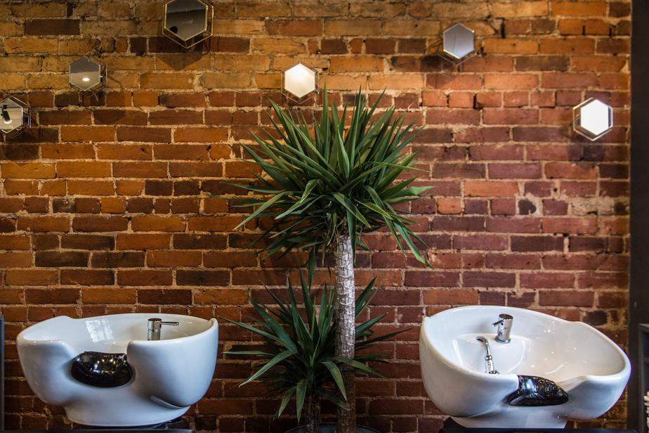 hair-salon-sinks-on-red-brick_925x (1).jpg