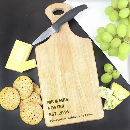 🧀🍷Personalise this Paddle Chopping Board with a message over 4 lines. Lines 1-3 will appear in UPPERCASE and can be personalised with up to 15 characters per line. You can then add a short message on line 4 of up to 30 characters. Note- On line 4, due to the font type used, please refrain from using capitals and special characters in your personalised message as you may find this difficult to read. Go to our Bio to see where to buy ! #cheeseboard #wine #redwine #fruit #dinner #dinnerparties