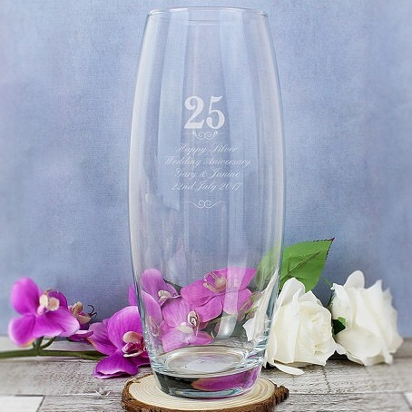 Go to our bio to shop this vase .This stunning vase will make an eye catching feature in a loving home.Personalise this elegant Engraved Years Design Bullet Vase with up to 4 lines of 20 characters each. Anniversary years selection will become fixed text on this item. Choose from 20, 25, 30, 40, 50 or 60. Dimensions -10.5cm x26cm x10.5cm #flowers #giftidea #weddinganniversary #silveranniversary #wedding