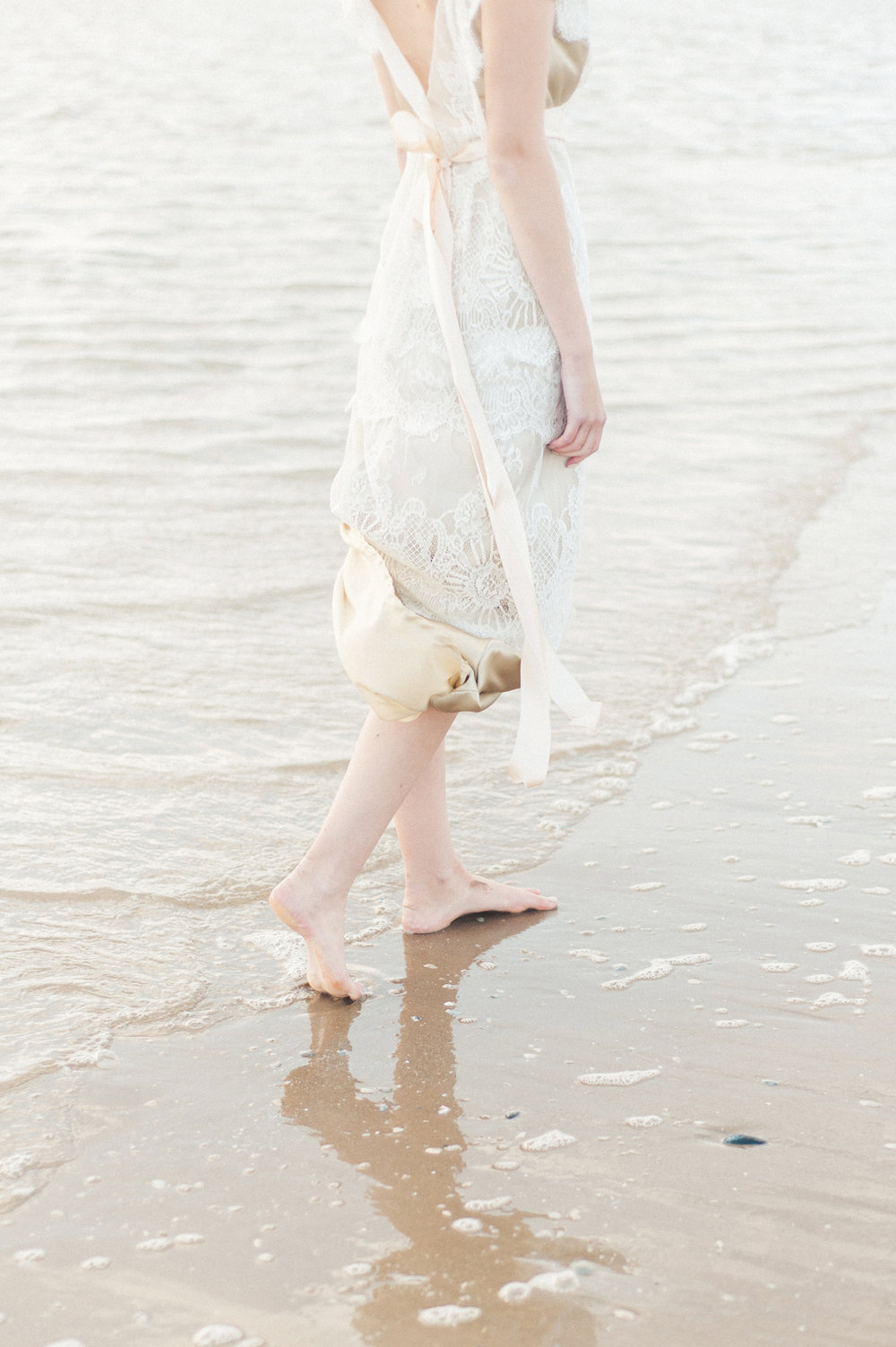 Kate-Beaumont-Wedding-Dresses-Formby-Beach-Emma-Pilkington-28.jpg