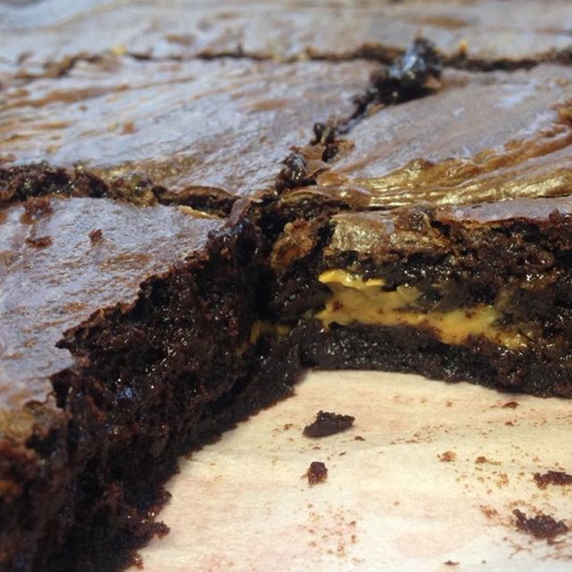 "Oh good lord. Chocolate & Peanut Butter Brownies fresh out of the oven... did someone just say ""daaaaaaaaaang"" #thursday #getinmyface #chocolate #brownies #homemade #bakingisbest #squiggofornewmaryberry"
