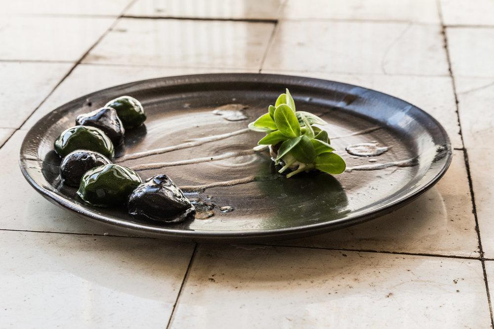 torskeret på sort talleren - Øens Spisested - Foto Mikkel Bækgaard.jpg
