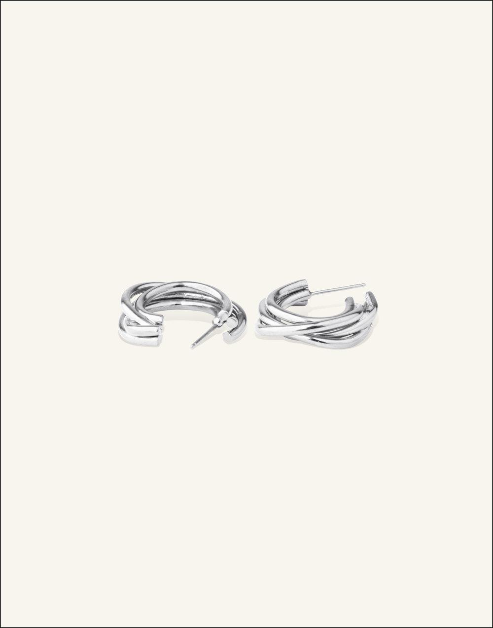 Completedworks-Silver-Earrings-An-Encounter-3-1.jpg