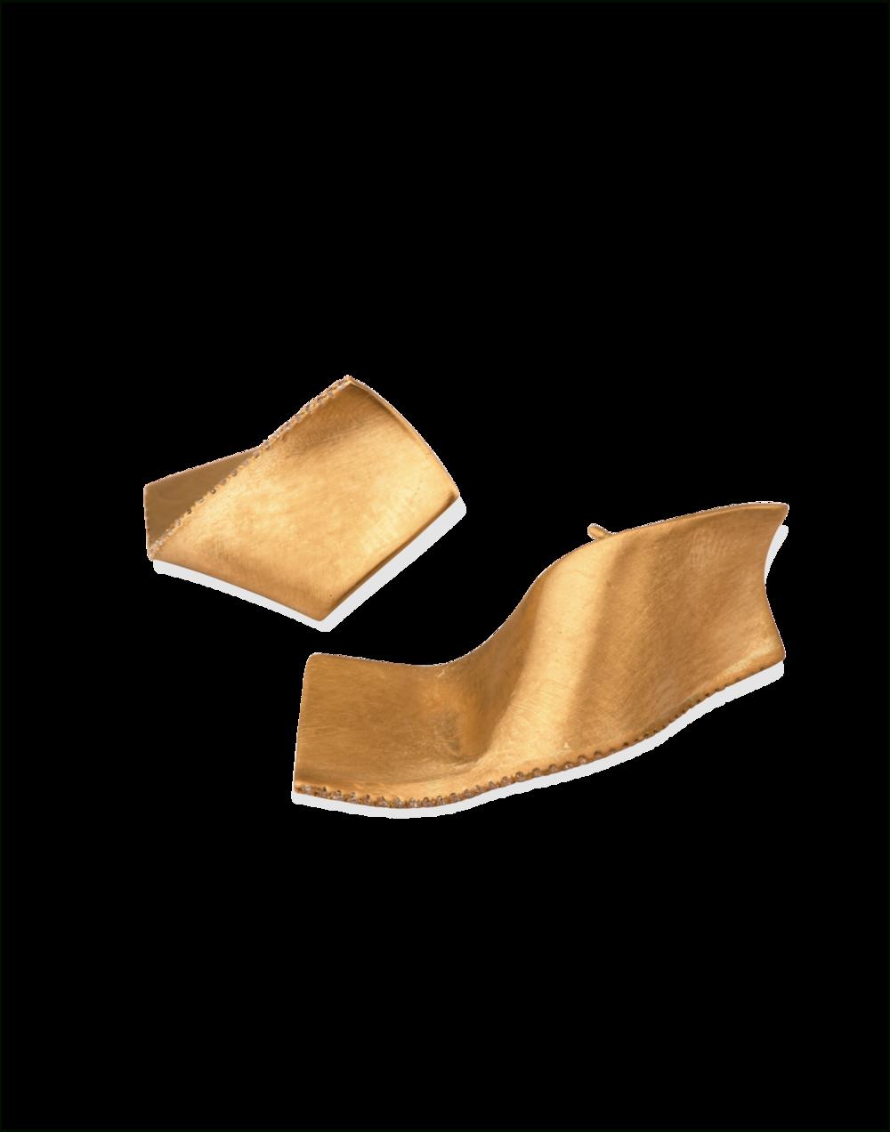 Gold-Diamond-Earrings-Memories-of-Water-Completedworks-Fine-Jewellery-4-1.png