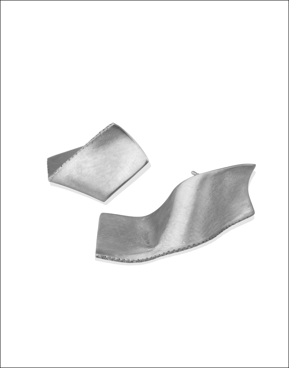 White-Gold-Diamond-Earrings-Memories-of-Water-Completedworks-Fine-Jewellery-4-1.png
