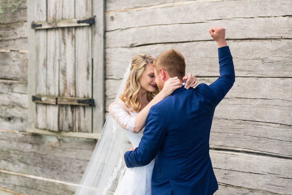 Bride and Groom in Front of Barn on Wedding Day  |  Life & Art Photography  |  Destination Wedding Photographer