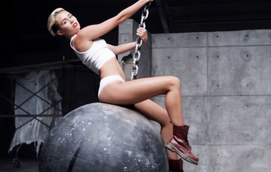 Miley-Cyrus-920x584.png