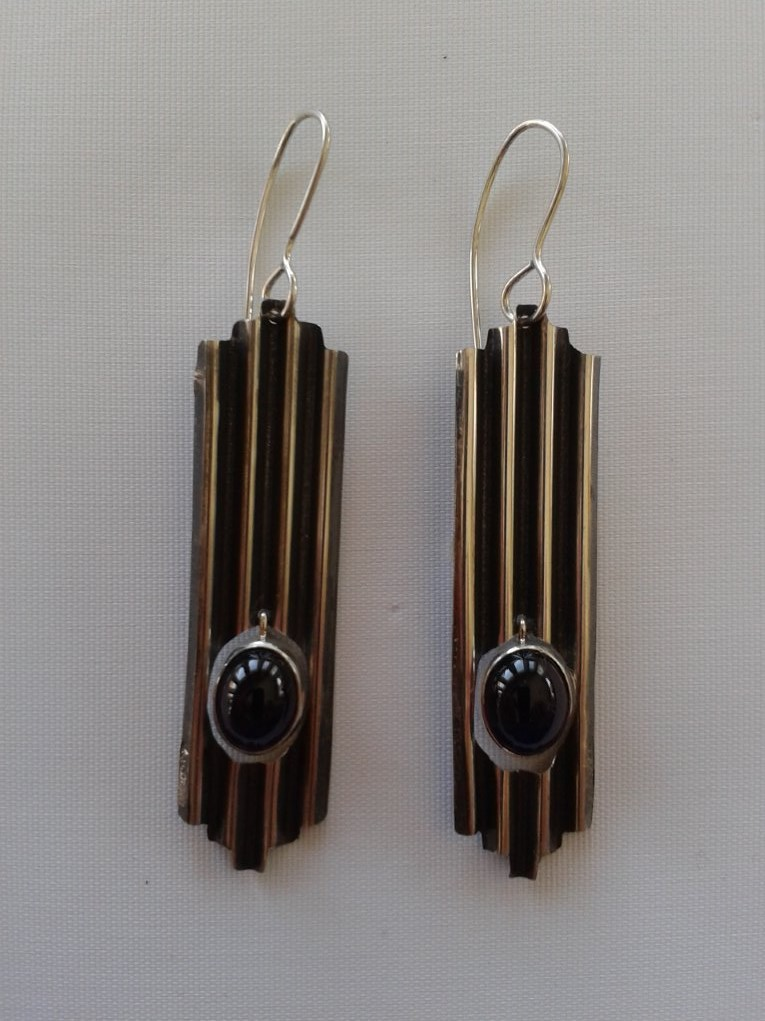 ONyx & Corrogated copper earrings (2).jpg