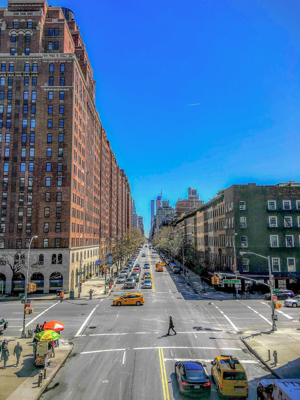 THE HEART OF CHELSEA FROM THE HIGH LINE. PHOTO: LUCAS COMPAN