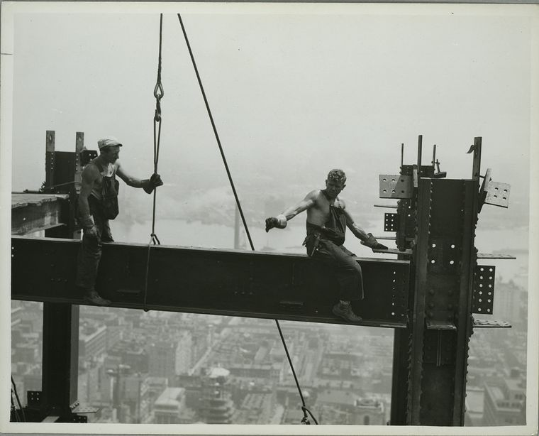 vintage-empire-state-building-construction-photos-by-lewis-wickes-hine-1931-14.jpg