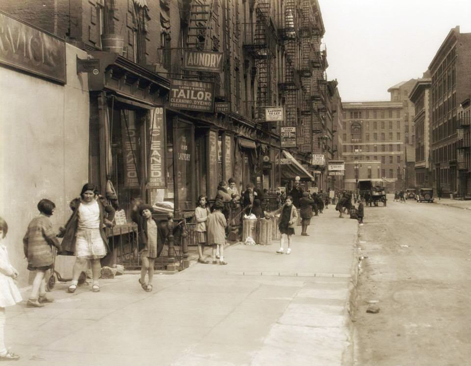 28th Street and Second Avenue (1931)