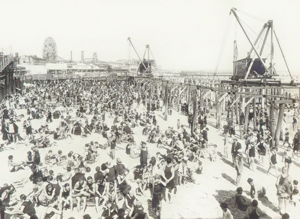 CONEY ISLAND    (1923)| IMMAGINE: NEW YORK CITY, DEPARTMENT OF RECORDS