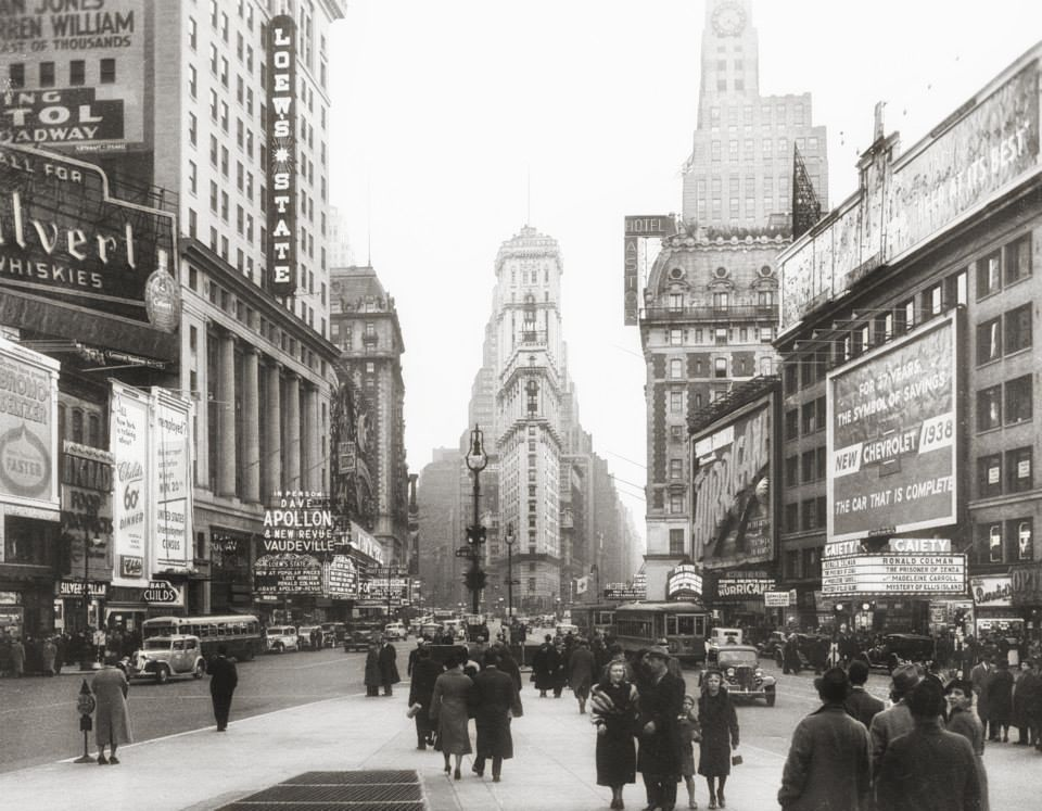 TIMES SQUARE   (1938)|  IMMAGINE: NEW YORK CITY, DEPARTMENT OF RECORDS