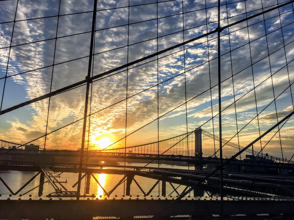 sunrise from the brooklyn bridge. Photo:    @LucasCompan