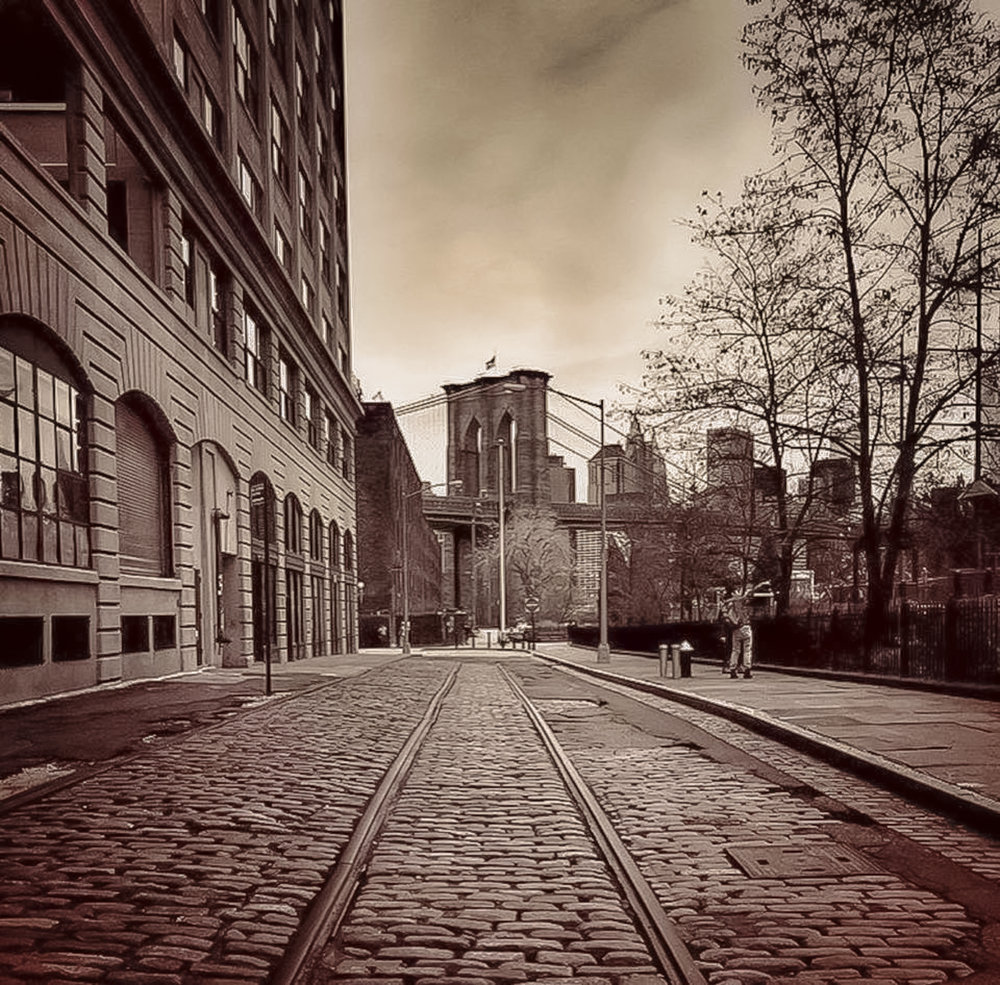 brooklyn bridge, from dumbo, brooklyn. Photo:    @Lucas Compan