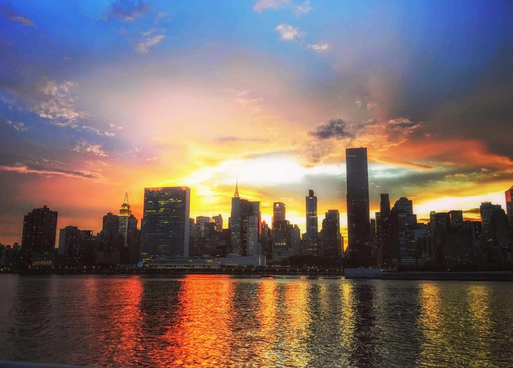 sunset from Granty plaza state park in Long island city. Photo: Lucas Compan