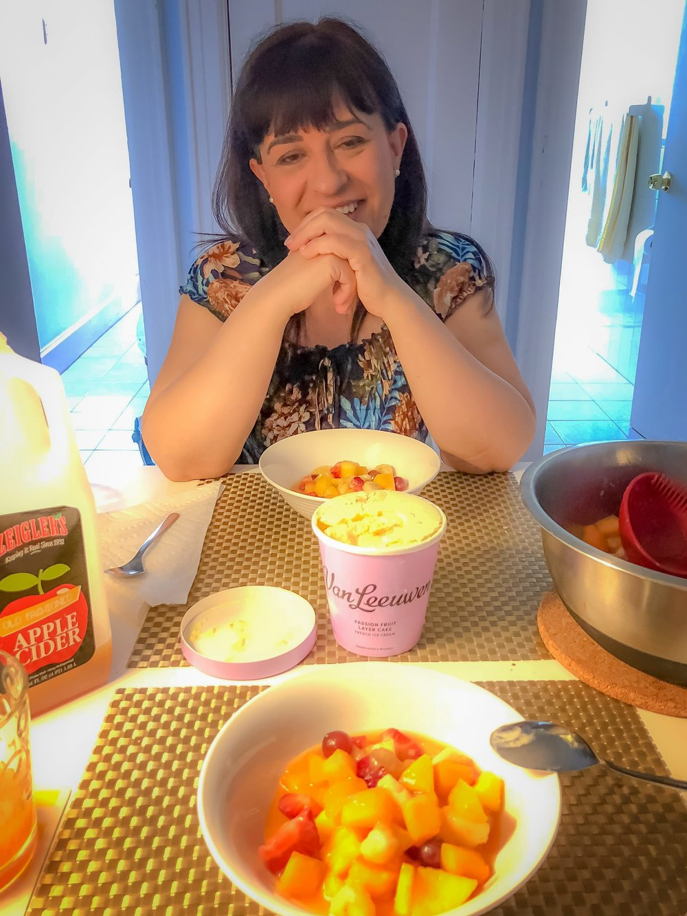 """homemade """"macedonia"""" with ice cream and upstate new york's apple cider: having lunch and dessert at home is always a great experience for those who love good comfort food."""