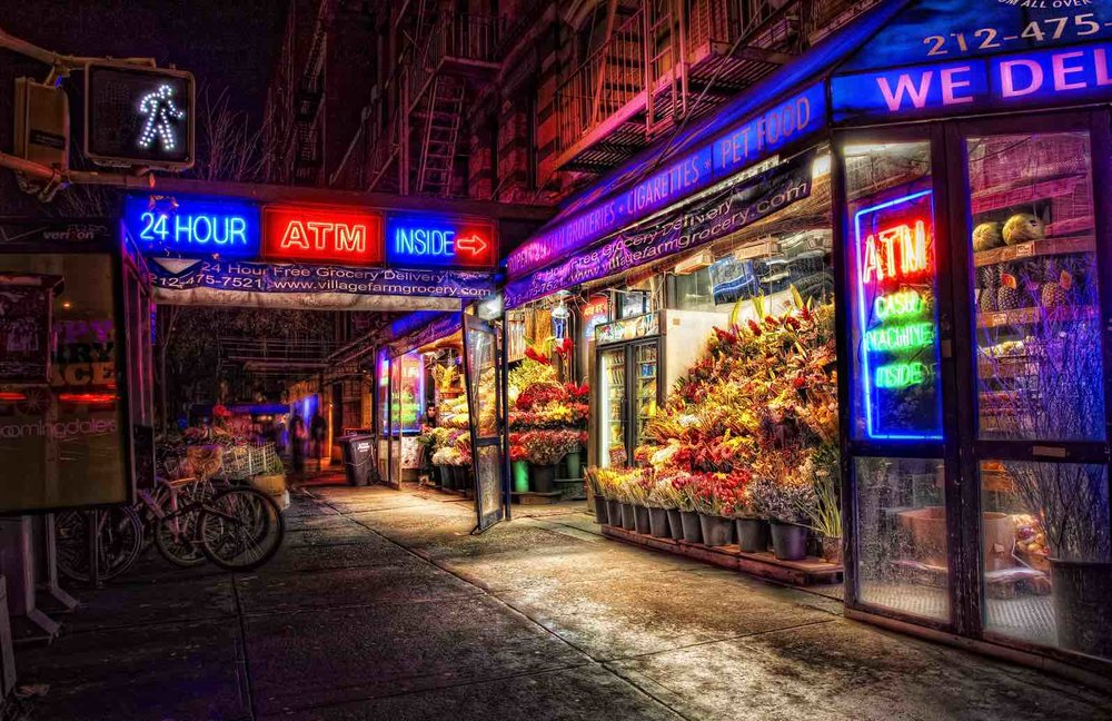 SECOND AVENUE IN ST. MARK'S PLACE, IL CUORE NELL'EAST VILLAGE. Photo: Lucas Compan