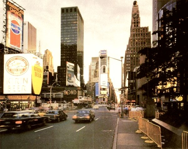 piccola-new-yorker-times-square-1980s-1.jpeg