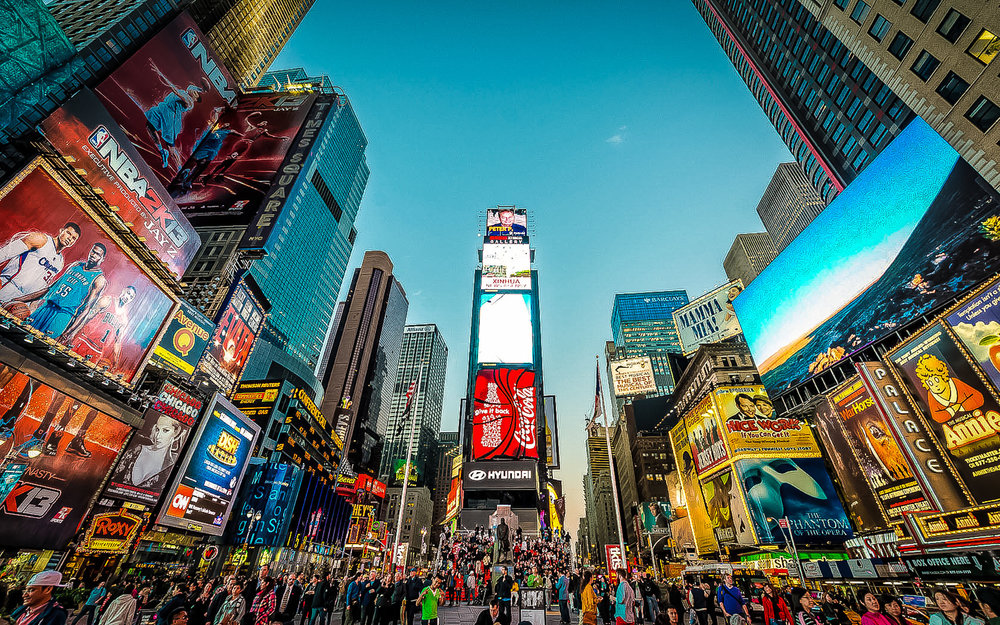 TIMES SQUARE, NEW YORK CITY. THE DESTINATION DRAWS AN ESTIMATED 50 MILLION VISITORS ANNUALLY. APPROXIMATELY 300,000 PEOPLE PASS THROUGH TIMES SQUARE DAILY, MANY OF THEM TOURISTS, WHILE OVER 460,000 PEDESTRIANS WALK THROUGH TIMES SQUARE ON ITS BUSIEST DAYS. PHOTO PANO: LUCAS COMPAN